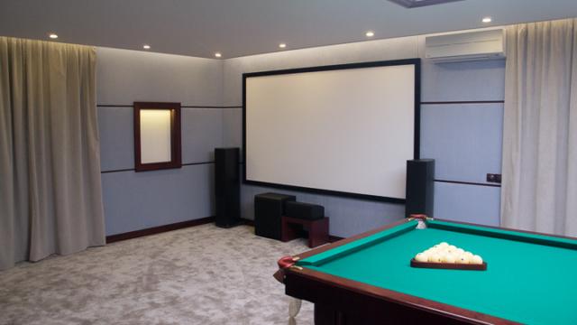 Проект домашнего кинотеатра в бильярдной