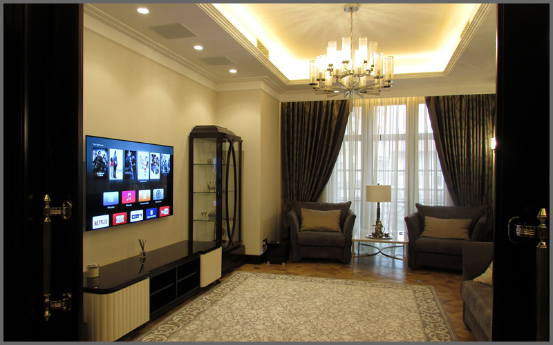 Домашний кинотеатр с OLED-телевизором и встраиваемой корпусной акустикой