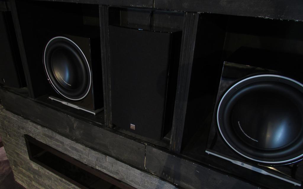 Заэкранные акустические системы и сабвуферы