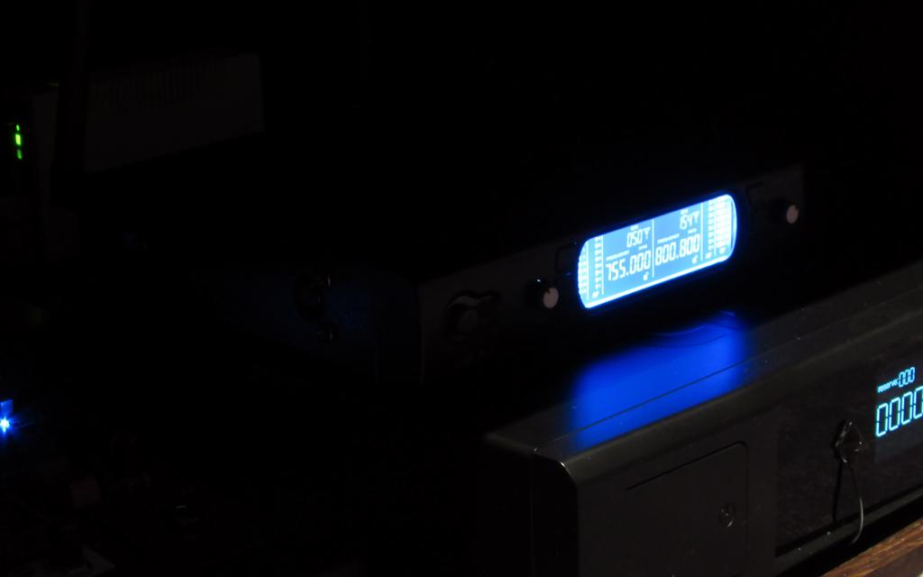 Вокальная радиосистема AST922M