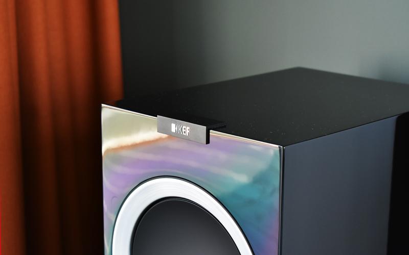 Акустические системы KEF R900