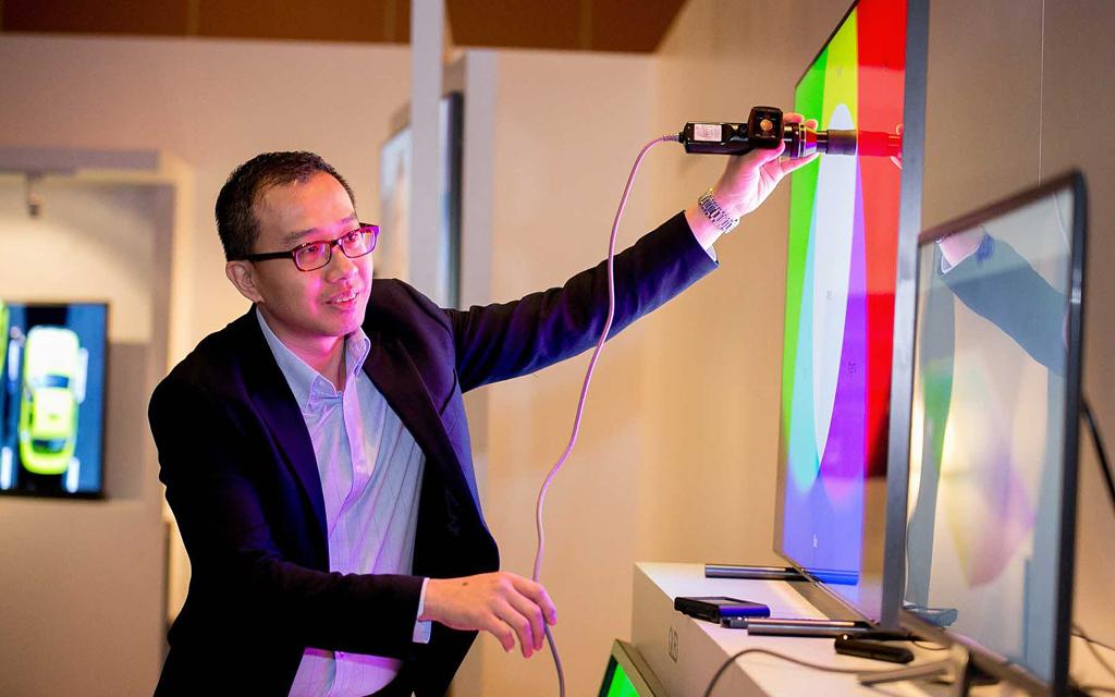 QLED-телевизор Samsung с автоматической калибровкой CalMAN