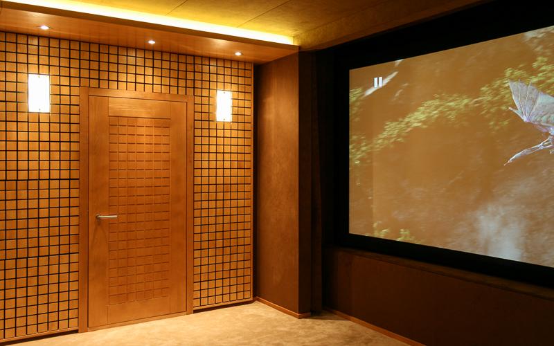 Акустическая дверь в персональном кинозале