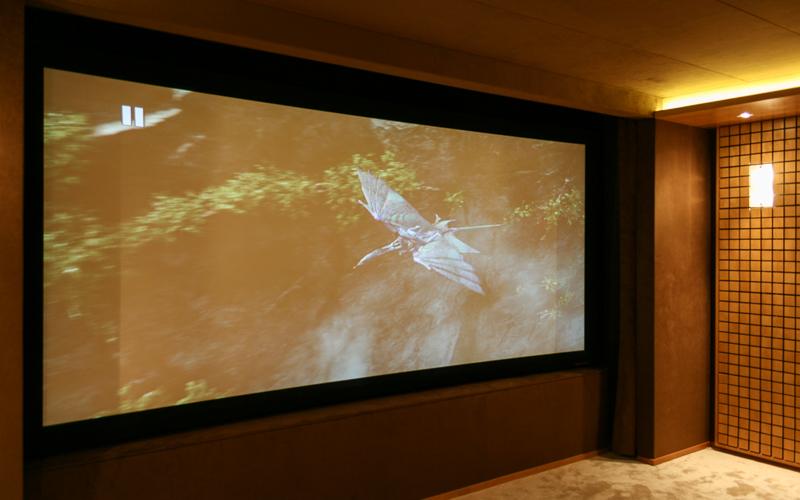 Звукопрозрачный экран Screen Research T-FS3 в персональном кинозале