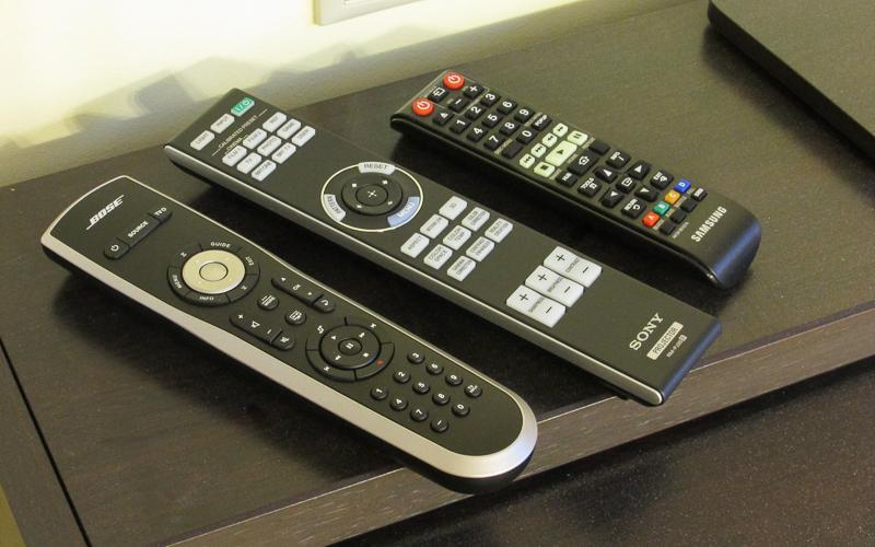 Пульты управления домашним кинотеатром