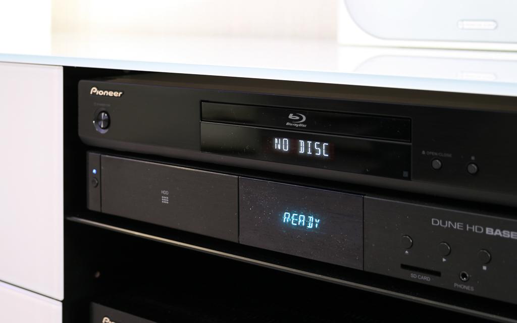 Медиаплеер и Blu-Ray-плеер - основные источники сигнала в домашнем кинотеатре