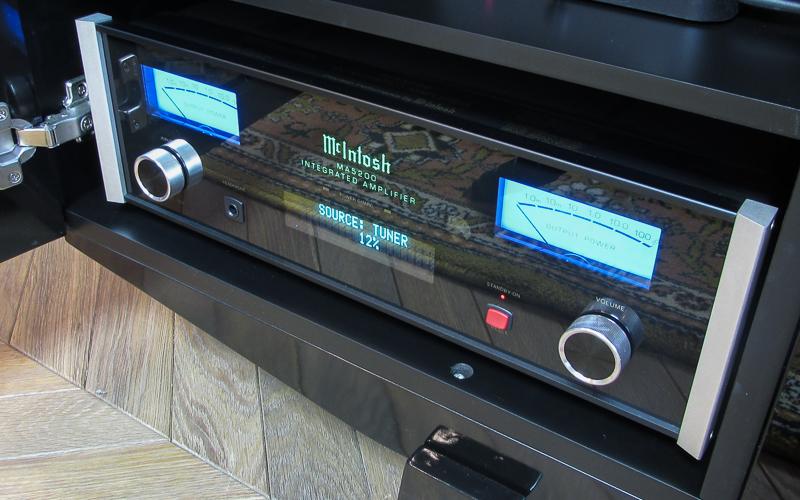 Интегральный усилитель McIntosh MA5200