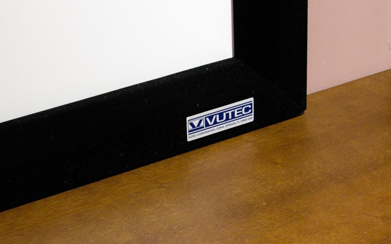 Проекционный экран постоянного натяжения Vutec