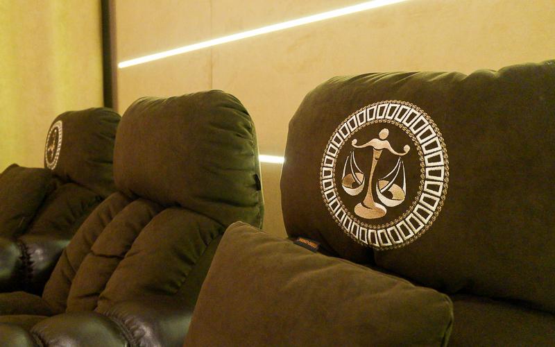 Заказные кресла для домашнего кинозала