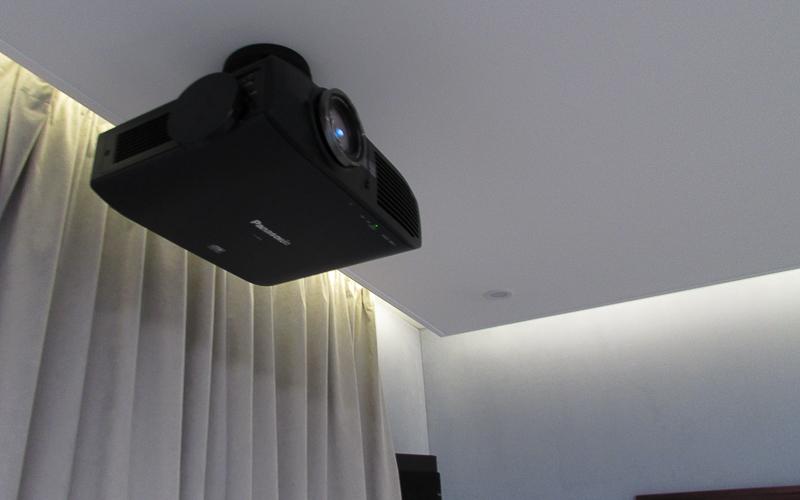 Проектор Panasonic PT-AE8000