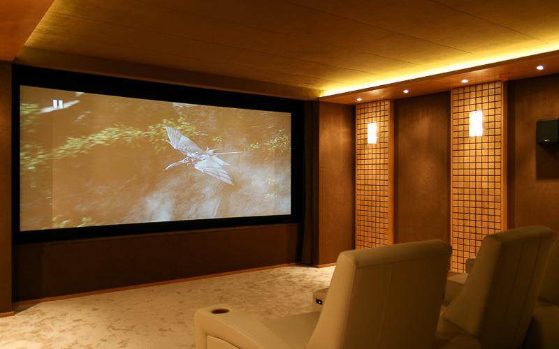 Персональный кинозал в коттедже