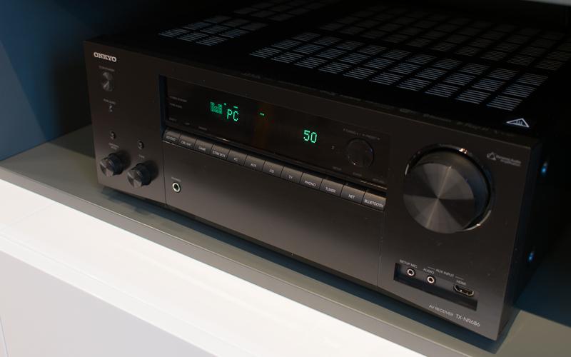 АВ-ресивер Onkyo TX-NR686