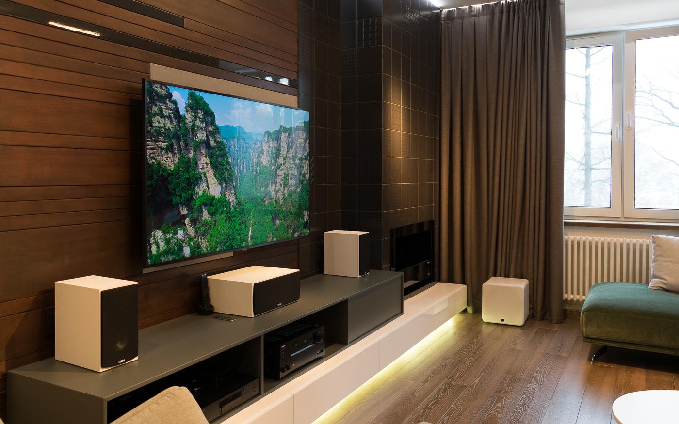 Домашний кинотеатр в гостиной: Canton, Samsung, SVS, Onkyo
