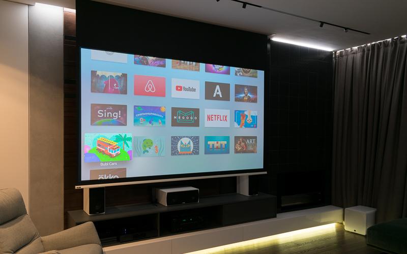 Встроенный в потолок электрический экран AV Stumpfl